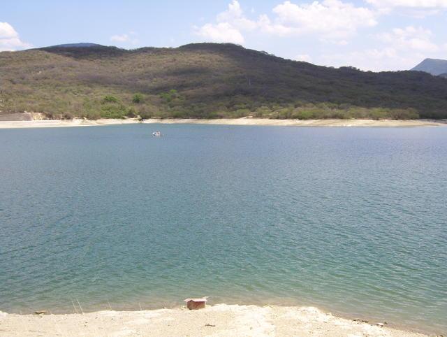 Dam and lake near Jalpan