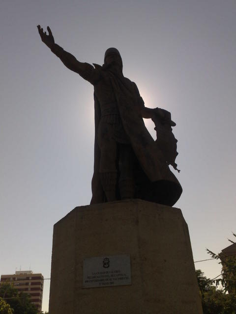 Monument to Nezahualcóyotl on Av. de la Hispanidad