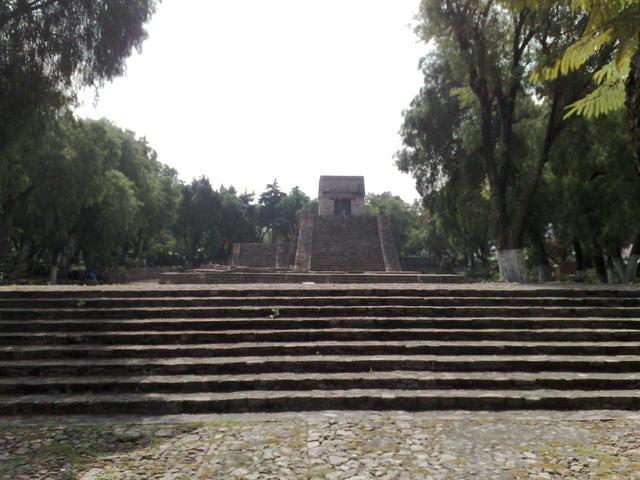 Santa Cecilia Acatitlan pyramid, Tlalnepantla