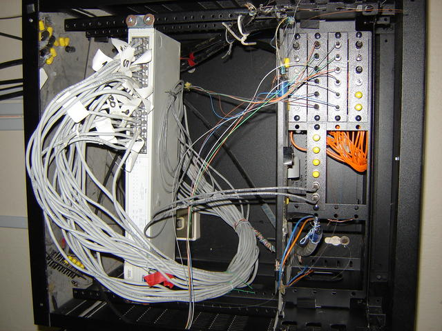 Wiring inside the UTM