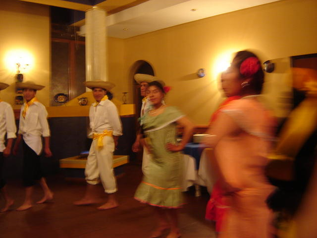Regional dance from Santa Cruz