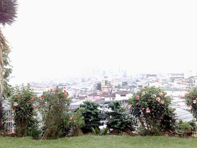 Overexposed view of Manizales