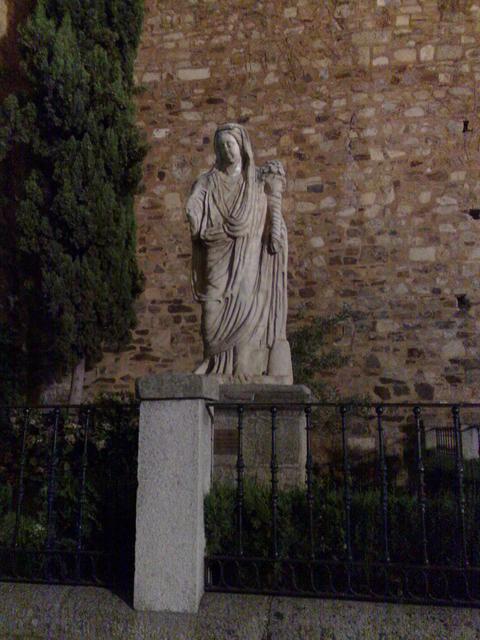 Roman statue of Ceres