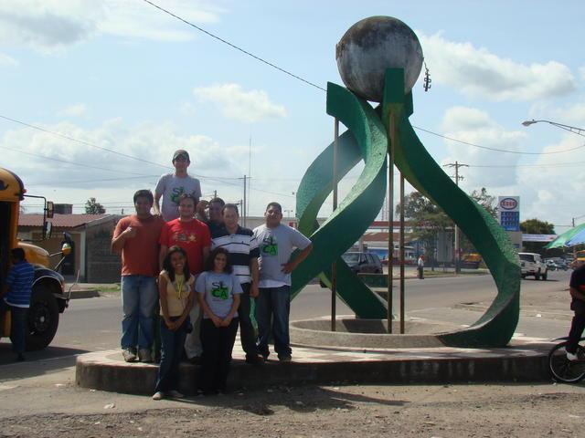 At the Estelí Centenario statue