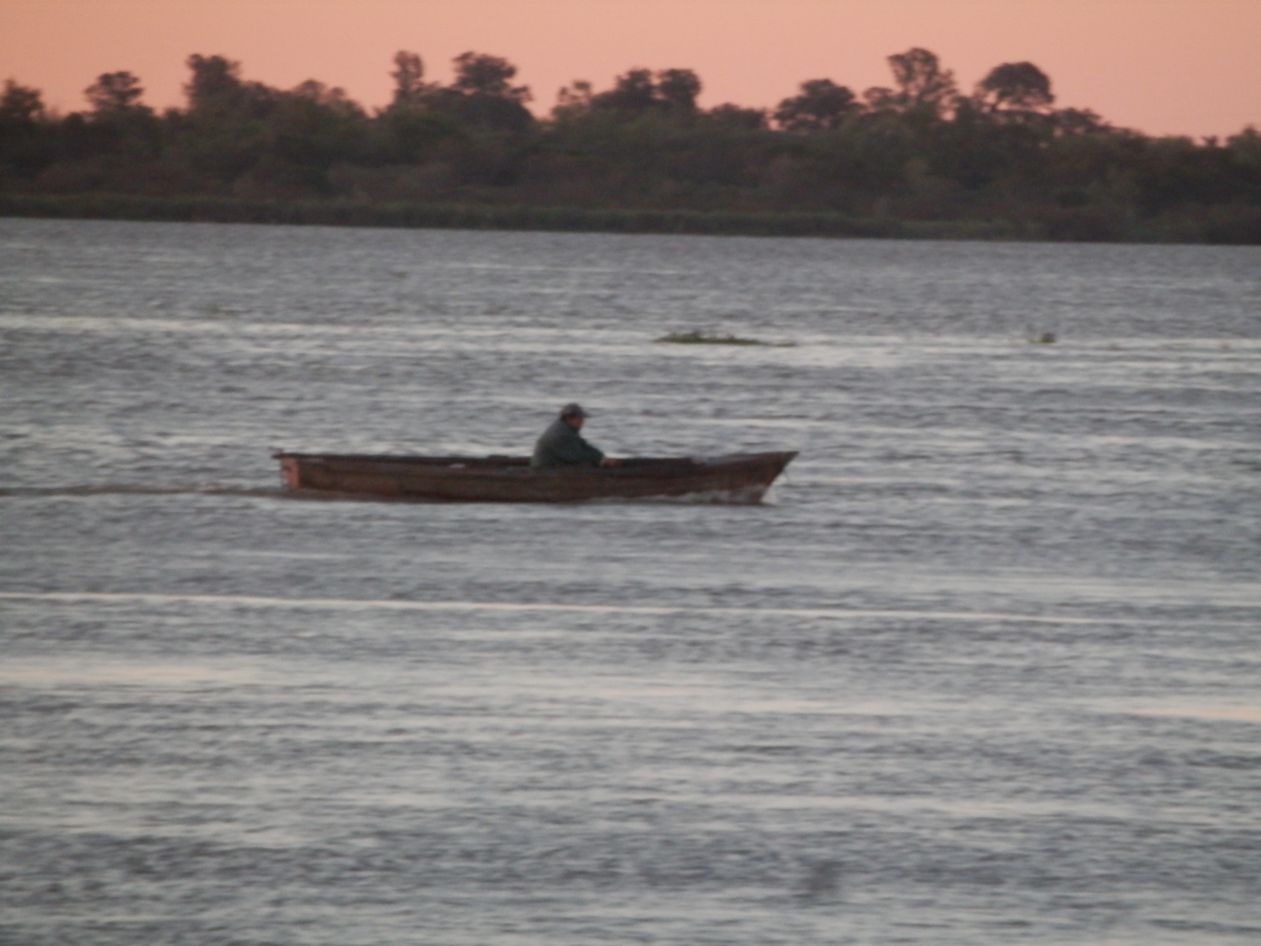 Fisher in the Paraná river