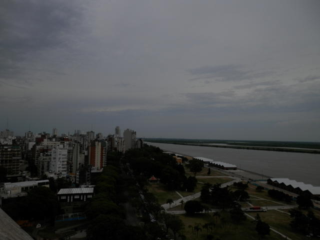 """From the """"Monumento a la Bandera"""" viewpoint, downtown Rosario"""