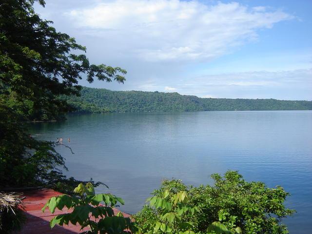 Apoyo lake
