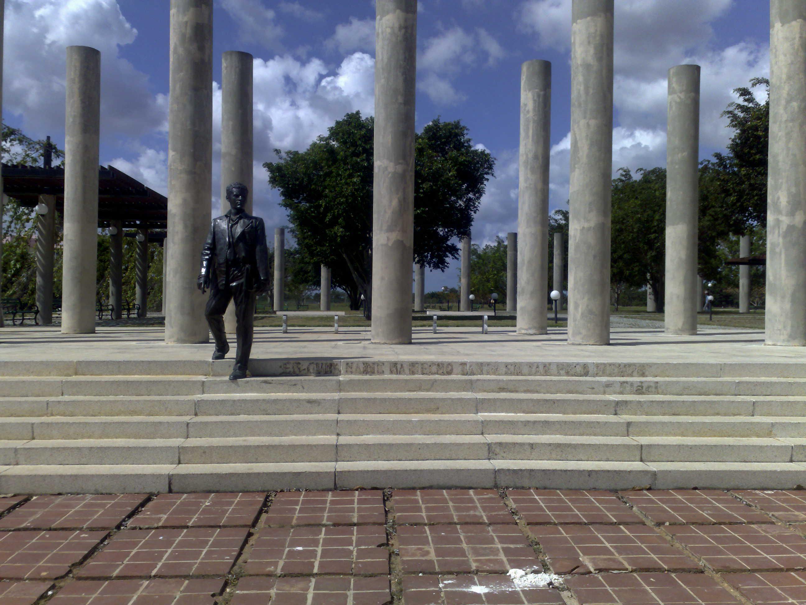 Plaza Mella