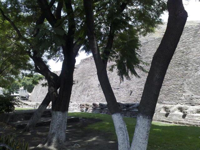 San Bartolo Tenayuca pyramid, Tlalnepantla