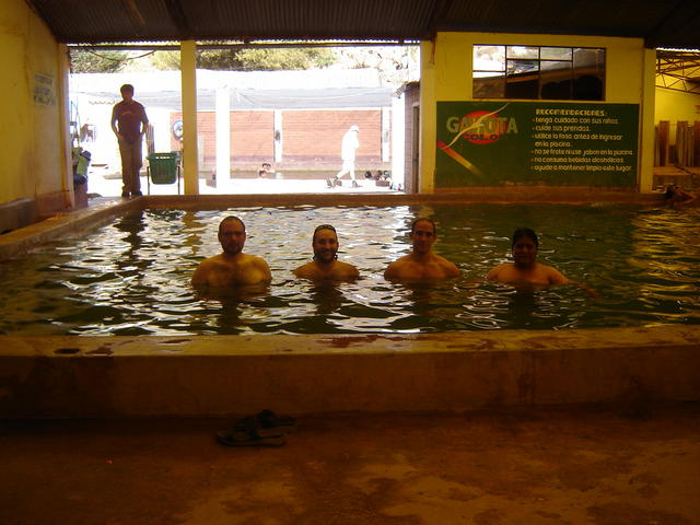 Bathing with Christian (Microsoft), Álvaro (Sun) and Samuel (Universidad Tomás Frías)